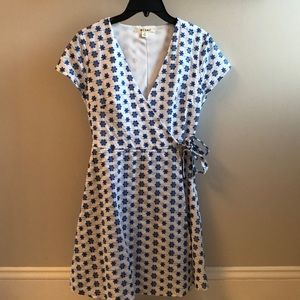 Francesca's White and Blue print sundress Size XS